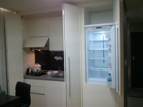 Triumph Hotel's Kitchen Set